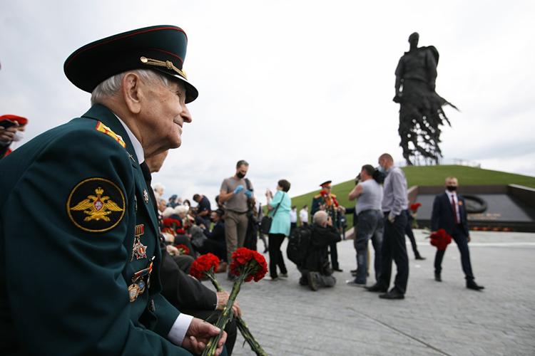 Сергей Погодин давал следователям подробные объяснения по махинациям с «фейковыми» ветеранами Великой Отечественной войны, которую раскрыли УБЭП и ФСБ еще в прошлом году