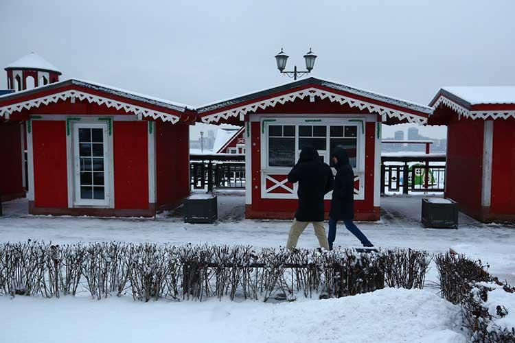Нанабережной появятся масштабные витрины— декорации советской эпохи, магазинчики иёлочный базар