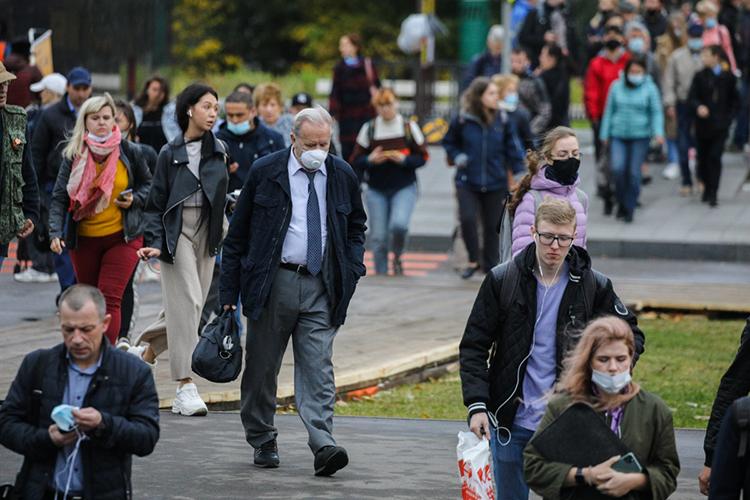 Декан экономического факультета МГУ Александр Аузан в свою очередь заметил, что текущий кризис носит не экономический, а цивилизационный кризис. «Ныне живущие поколения такого не видели»