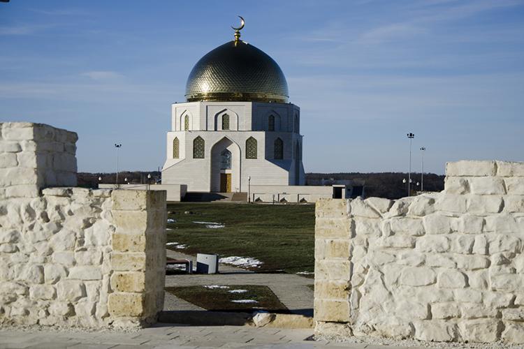 «Волжская Булгария стоит особняком из-за того, что она находилась натерритории современного Татарстана ивполитическом плане занимает особое место вистории татар»