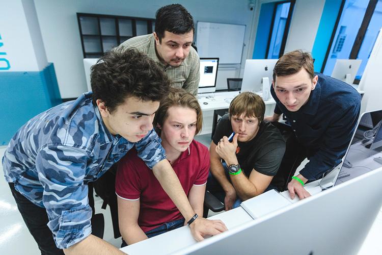 «ВТатарстане явижу очень сильную поддержку: отпривлечения молодёжи, компаний вреспублику допропагандирования «для чего нужен ИИ», начиная отбытового уровня изаканчивая государственным»