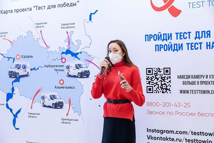 Лилия Таишева:«Сейчас ВИЧ— это проблема совершенно социализированного среднего класса. Чаще всего ВИЧ выявляют улюдей ввозрасте от30 до50 лет, их71 процент отобщего числа»