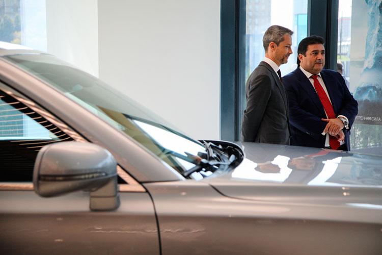 В первой пятерке надежно обосновался президент и гендиректор СП Ford-Sollers Адиль Ширинов