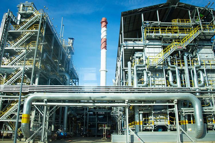 «Если небудет принято срочных мер поспасению отрасли, товыполнить обязательства подобыче нефти, которые появятся (будем надеяться) после снятия ограничений, наши компании просто несмогут»