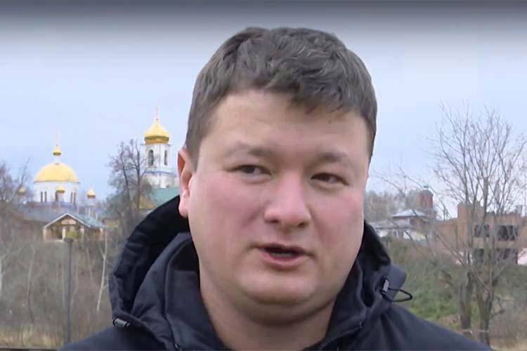 Почему следствие не ходатайствует о заключении под стражу, он объяснил так: у Хакимова есть несовершеннолетние дети, ранее к уголовной ответственности он не привлекался