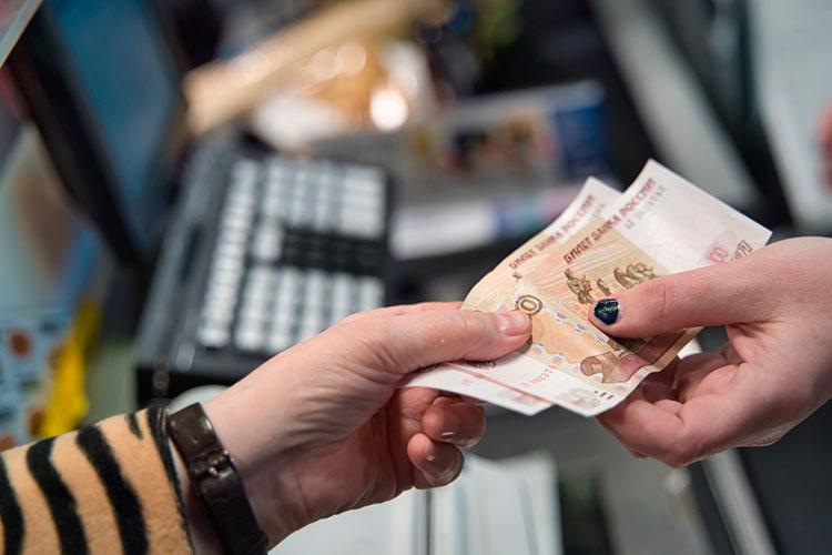 Некоторые банковские аналитики предполагают, что вследующем году все-таки рост доходов россиян пойдет врайоне2%