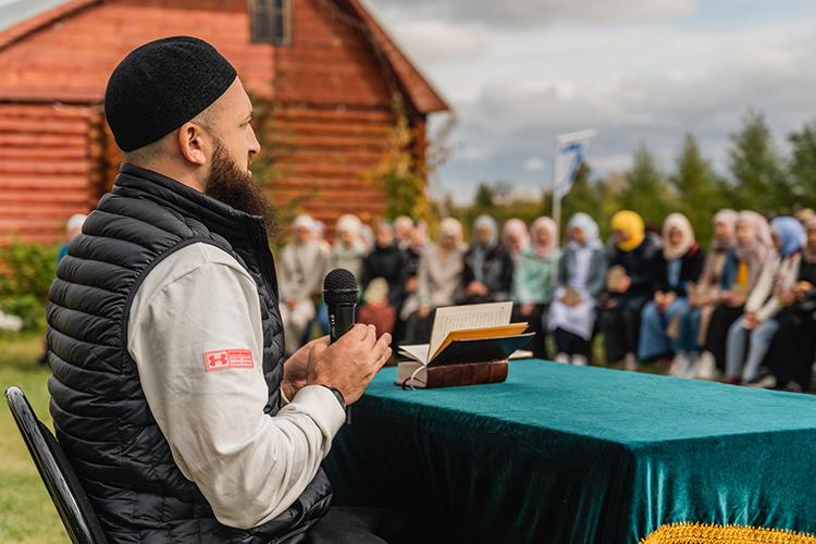 Духовное управление мусульман РТ и лично муфтийКамиль хазрат Самигуллин делают, действительно, оченьбольшую работу по возвращению к традиционнымисламским ценностям