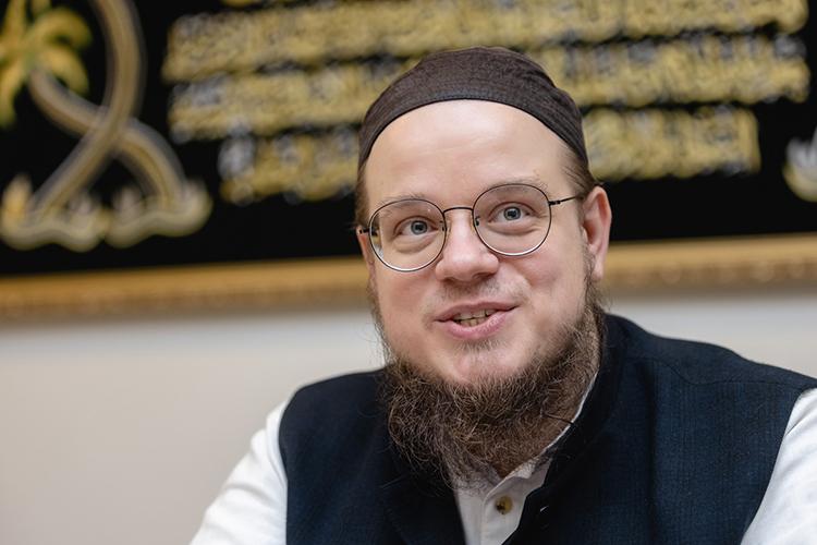 Ахмад Абу Яхья:«Никакого «исламского терроризма» вистории небыло—это методы боевиков-анархистов в«обертке»изсвященных для мусульман понятий»