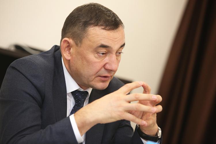 Марат Нуриев:«Как мызнаем, всчетах-фактурах, что получает население, порядка 70 процентов оплаты составляют коммунальные услуги. Инас это очень беспокоит— хочется, чтобы эта сумма была намного меньше»