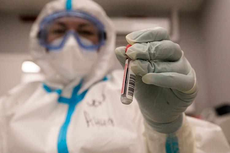 «Если спросят — ответим, что уже переболели коронавирусом в сентябре, у нас антитела. Все необходимые бумаги есть, покажем при необходимости»