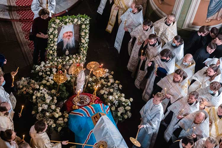 Прежний митрополит Казанский и Татарстанский Феофан умер в ноябре на 74-м году жизни из-за осложнений, вызванных новой коронавирусной инфекцией