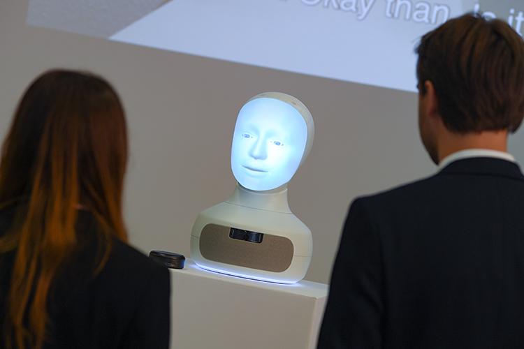 «Намой взгляд, Искусственный Интеллект как технологическая действительность пока еще невозможен вполном смысле слова. Нонаш интеллект итак уже искусственный»