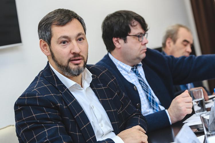«Кориб» Олега Коробченко сегодня— это крупнейший местный дилер«КАМАЗа»сширочайшим ассортиментом отзапчастей ишасси доавтобусов испецтехники