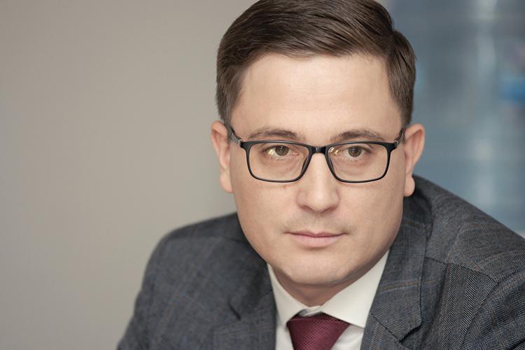 Всентябре 2020 годаАлексей Штенниковстал владельцем 50% капитала одного изкрупнейших дилеров «КАМАЗА», ООО«КамАвтоЦентр»