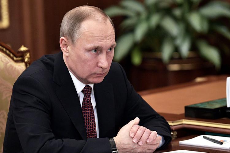Владимир Путин: «Сахарный песок— министр сельского хозяйства сейчас докладывал— внутреннего производства достаточно, для того чтобы покрыть внутренние потребности. Нопочему цены-то выросли на71,5%?»