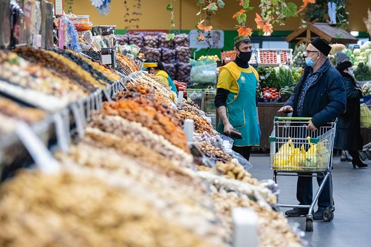 Как следует изданныхТатарстанстата, воктябре вреспублики действительно выросли цены наряд категорий продуктов питания посравнению саналогичным периодом прошлого года