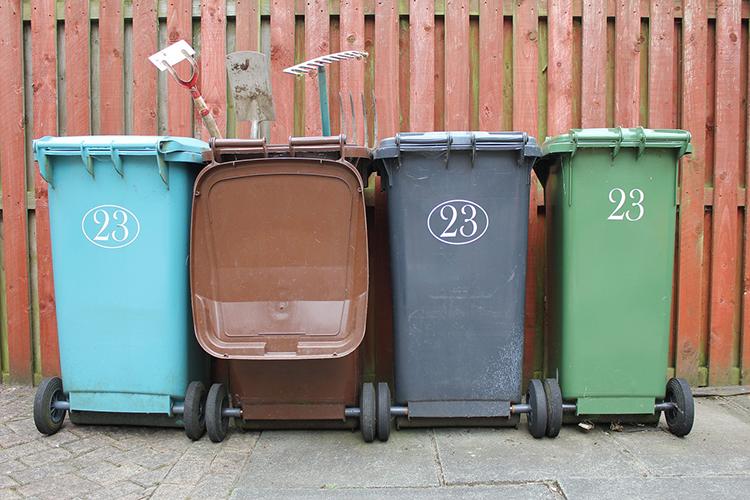 Поскольку вФинляндии раздельный сбор отходов преобладает, томестные мусорные компании-операторы типа Remeo содержат транспорт, имеющий различные емкости под разные фракции отходов