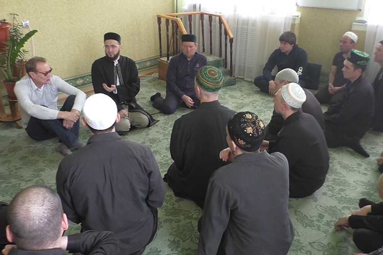 «Насегодняшний день унас сформировался надежный корпус священнослужителей, как мусульман, так иправославных священников, работающих над духовным оздоровлением осужденных»