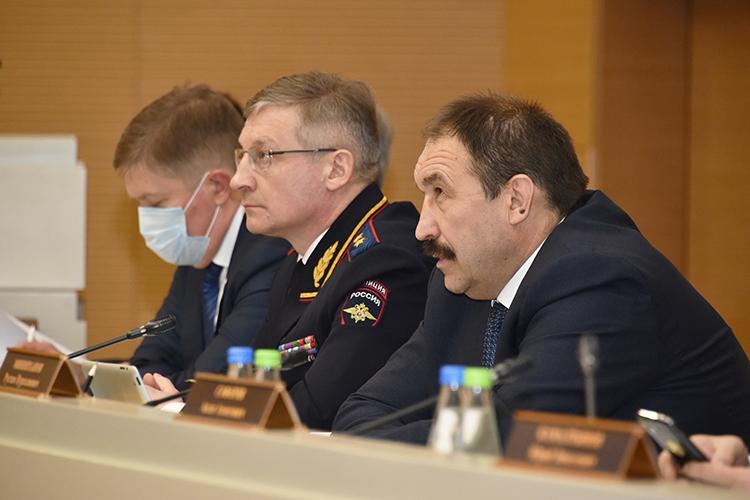Татарстан вэтом году выполняет показатели федеральной целевой программы повышения безопасности дорожного движения.«Это лучший результат вПФО»,— объявил премьер-министр РТАлексей Песошин