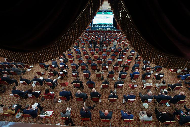 Более 300 делегатов из всех районов РТ собрались сегодня в «Корстоне» на XV ежегодный Съезд Ассоциации «Совет муниципальных образований РТ»