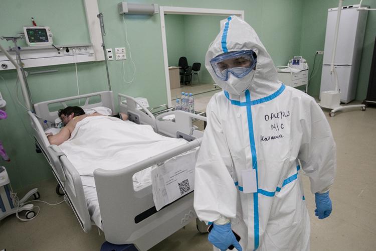 «Мыбудем выпускать одноразовую медицинскую одежду для защиты персонала при работе сособо опасными инфекциями, что актуально впериод пандемии, так ихирургические халаты, которые используются воперационных»
