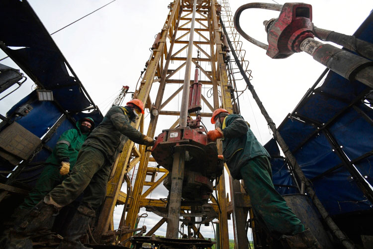 «От принятого правительством решения по высоковязкой нефти страдают, в первую очередь, «Татнефть» и те российские компании, у которых есть месторождения в Урал-Поволжье и на севере европейской части России»