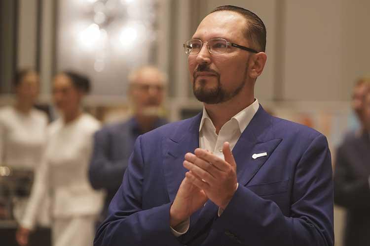 Утелеканала «Татарстан-24» вочередной раз может поменяться генеральный директор. Сейчас его возглавляетДинаУткина, занявшая руководящий пост весной 2019 года, апреемником может стать «крестный отец» каналаАндрейКузьмин