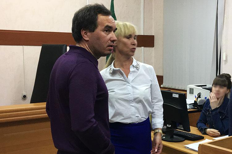 Алексею Миронову, который в последнее время едва ли не переехал на ПМЖ в Москву, теперь придется часто появляться в Татарстане. В пятницу суд позволил следкому возобновить расследование его резонансного дела о мошенничестве с налогами при реализации ЖК Sunrise City