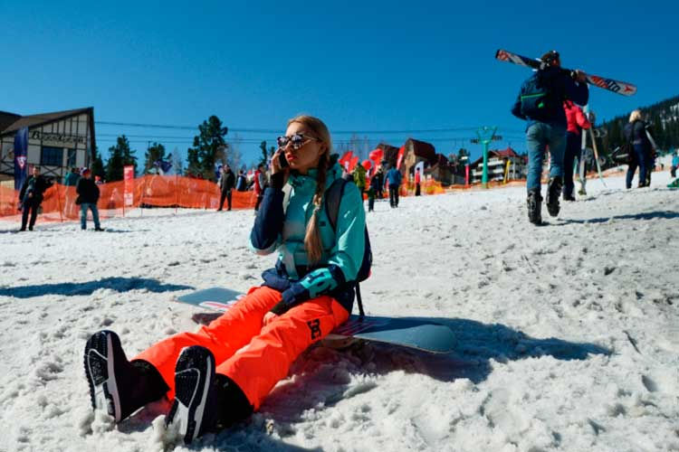 Любителям горнолыжного катания вэтом году тоже придется покататься понашим просторам. Крупный туроператор объявил озапуске рейса вНовокузнецк, откуда туристы смогут добраться доШерегеша— главного горнолыжного курорта Сибири