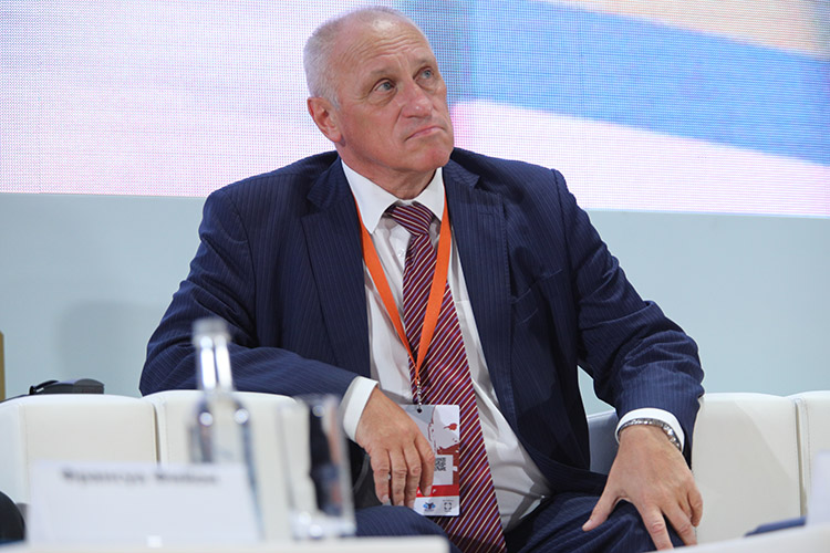 Александр Аузан -декан экономического факультета МГУ, профессор