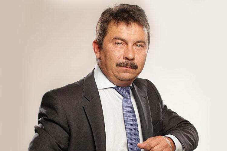 Главная персона года понашему выбору— министр здравоохранения РТМарат Садыков. Пандемия коронавируса стала огромным испытанием для здравоохранения республики, врачи мужественно справляются сосвоими задачами