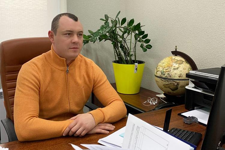 Виталий Евдокимов:«Наша компания зарегистрирована вноябре 2020 года, однако опыт нашей команды исчисляется десятилетиями: все мы— выходцы изкрупных строительных холдингов иотлично знаем, как работает внутренний рынок, укого какие потребности ивозможности»