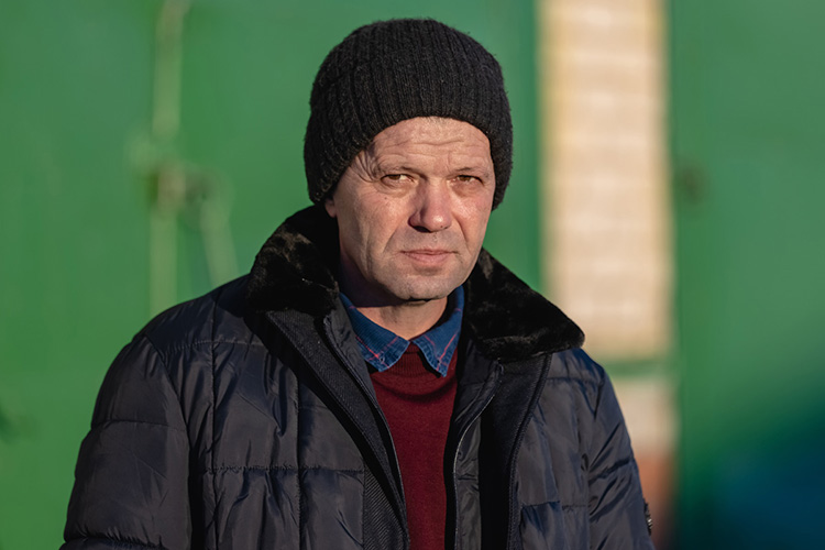 Рустем Сабиров:«Благодаря инвестициям вмодернизацию иагротехнологии мыпочти сразу начали получать хорошие урожаи, первый год завершили спрофицитом 28 миллионов рублей, авсе долговые обязательства закрыли затри-четыре года»