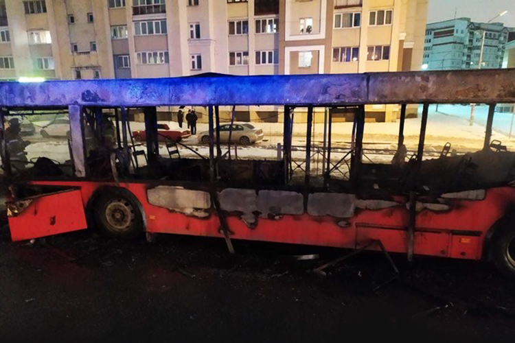 С начала года в Казани сгорело три трамвая, а с конца ноября — четыре автобуса МАЗ, и такого повального «огненного мора» в казанском общественном транспорте не припомнить
