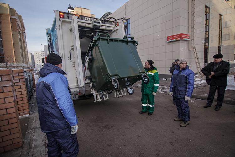 Вместо отдачи, накоторую народ был вправе рассчитывать после повышениятарифов засбор ТКО, правительству пришлось спасать операторов— 9млрд рублей было влито всистему для разгребания мусорных завалов