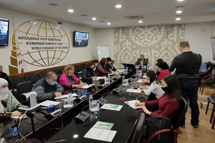 Впресс-конференцииВасиляШайхразиевапринимали участие нетолько казанские журналисты, ноиактивисты-общественники, начиная ссоседней Ульяновской области, атакже другихроссийских регионов, заканчивая далекой Австралией