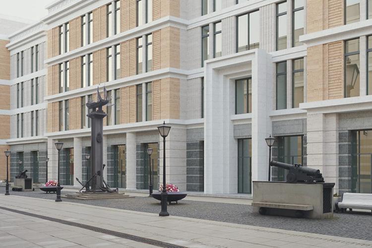 Рассмотрели назаседании ипроект четырехэтажной гостиницы наул.Петербургская между отелем «Европа» ицентром профессиональной стоматологии. Этот проект собирается реализовать ООО«Капар»Александра Лукоянова