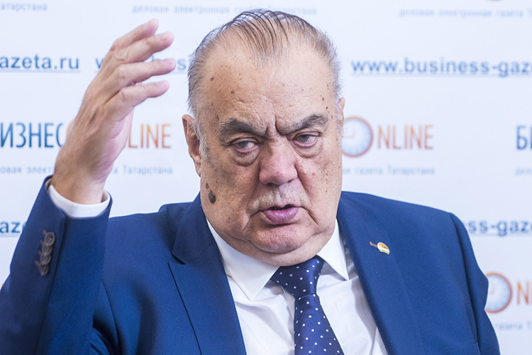 Евгений Богачев: «Эта болезнь очень коварной оказалась. Меня натретий-четвертый день отправили наКТ, которое показало меньше 5 процентов поражения»