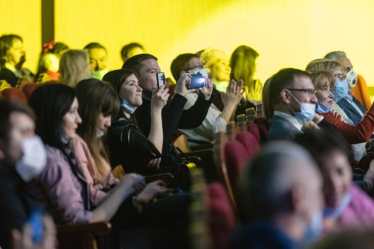 Хотя вТатарстане антипандемийные меры особенно осенью носили щадящий для бизнеса характер, концертная индустрия здорово просела, инеизвестно еще, что ждет нас в2021 году