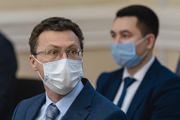 Рустам Сибгатуллинрассказывалдепутатам Госсовета, чтонаданный момент промышленные парки иплощадки Татарстана заполнены на60%
