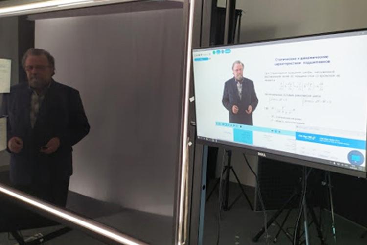 В2020 году онлайн-курс «Компьютерное моделирование» стал одним из57 проектов, получивших грант Министерства науки ивысшего образования РФврамках нацпроекта «Образование»