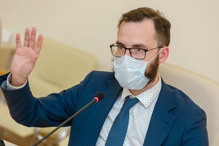 Владимир Жаворонков подчеркнул, что прививки в настоящий момент носят добровольный характер, поэтому движение антипрививочников «не очень актуально»