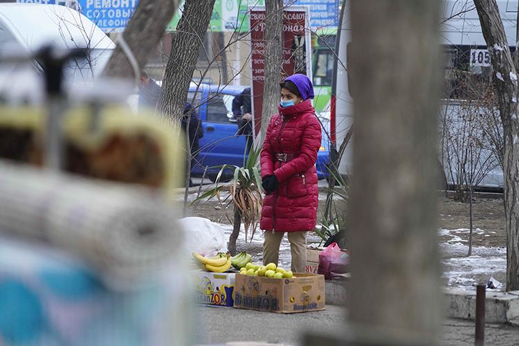 «ВУзбекистане насамом деле беда, потому что помимо того, что некуда ехать назаработки— все закрыто,— еще из-за обесценения рубля очень сильно изменилось соотношение цен Россия— Узбекистан»