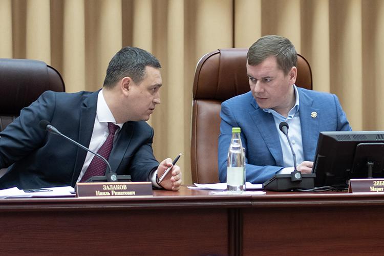 Уходящий год стал первым полным годом работы нового министра сельского хозяйства ипродовольствия РТМарата Зяббарова.Правой рукой Зяббарова сталНаиль Залаков