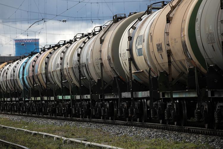 «Если меняется ситуация поресурсам, тоизменится ихимическая промышленность, полностью изменится железнодорожный иавтомобильный транспорт, могут быть новации вобласти перевозок»