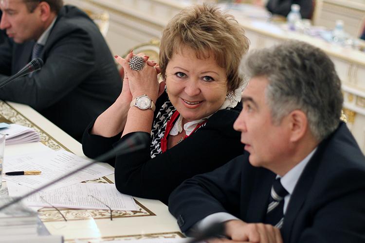 Держится наплаву, несмотря натяжелый год, исохраняет засобой 14 место владелица «Бахетле»Муслима Латыпова. Она дажеоткрылановый магазин вКуюках