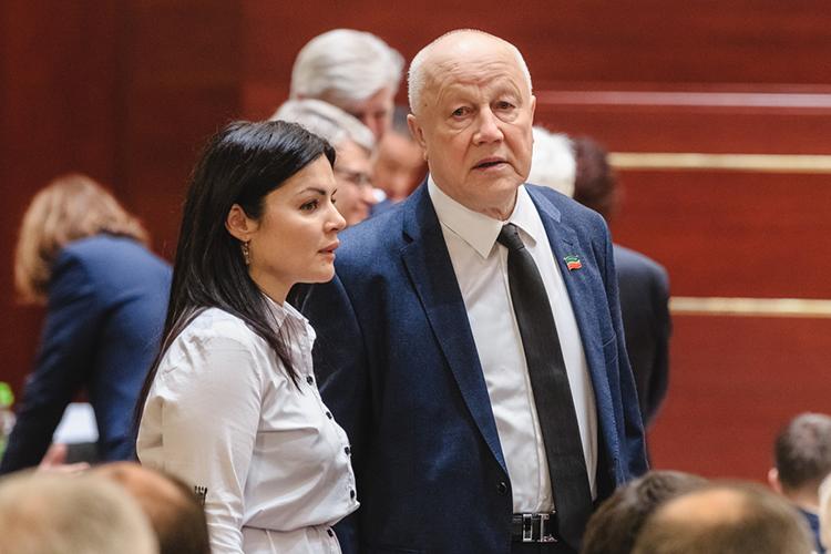 Марат Галеев: «Надо двигаться, научиться влюбых, достаточно непростых, условиях работать всозидательном режиме. Что Татарстан, собственно говоря, ипытается делать»