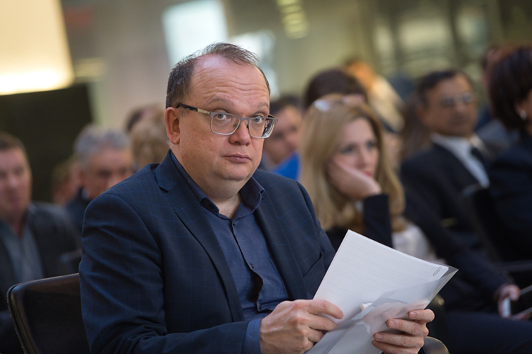 Айрат Нурутдинов: «В«Таттелекоме» больше 4 тысяч сотрудников, мыпик заболеваемости прошли. Там был нетолько коронавирус, коллеги, выже знаете что все достаточно сложно сдиагностикой»