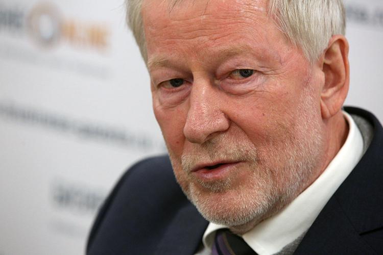 Иван Грачев: «Ядумаю, что вРоссии ковид будет восновном задавлен через 4–6 месяцев. И, смоей точки зрения, никакого риска сроссийскими вакцинаминет»