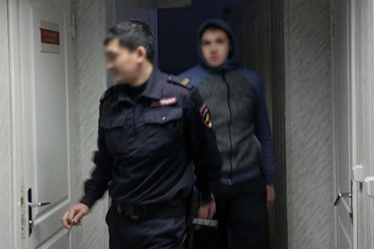 Всуде первой инстанции было доказано,что издевались над ПиркинымИгорь Филинов,Гадель Рахимов (на фото)иНаильМиндубаев.Мужчинам от25 до38лет. Ихпризнали виновными впревышении должностных полномочий